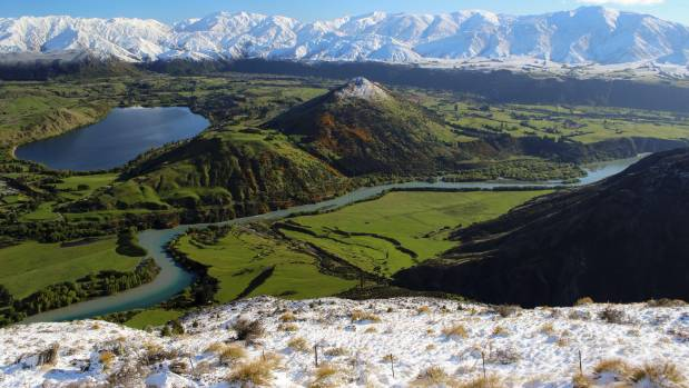 The Wakatipu Basin's capacity for urban growth is being explored.