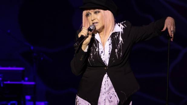 It was amazing how much vocal power could come from Cyndi Lauper's tiny frame.