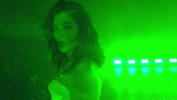 Lorde played her latest hit Green Light as the last song.