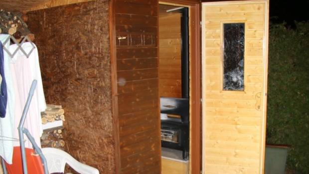 Mum Daughter Die Trapped In Sauna Stuff Co Nz
