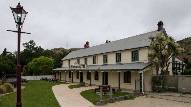 The Hurunui Hotel owners want to put a 1.2 metre picket fence around the damaged building so it still looks photogenic.