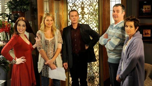 Veteran Neighbours cast including Kym Valentine (Libby Kennedy), Margot Robbie (Donna Freedman), Stefan Dennis (Paul ...