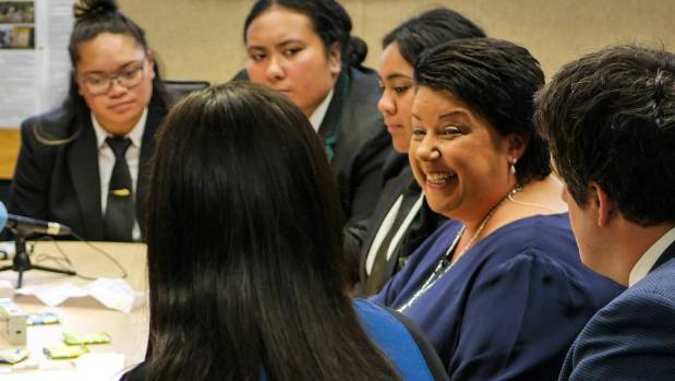 Deputy Prime Minister Paula Bennett sat down with senior pupils at Taita College to discuss the issues facing female ...