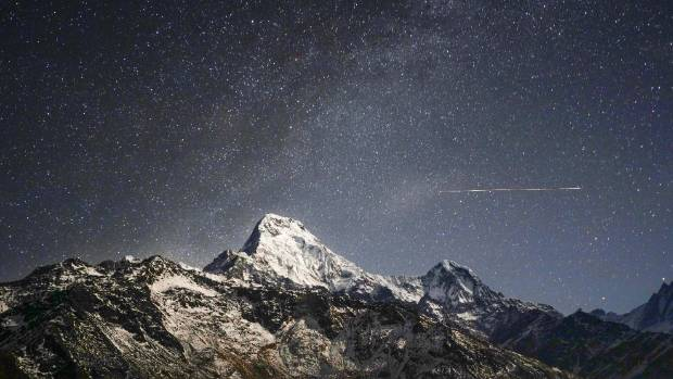 Stars above the Annapurna south, more than 7200 metres tall.