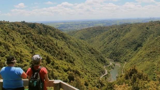 The Manawatu Gorge Big Slip lookout remains closed until December.
