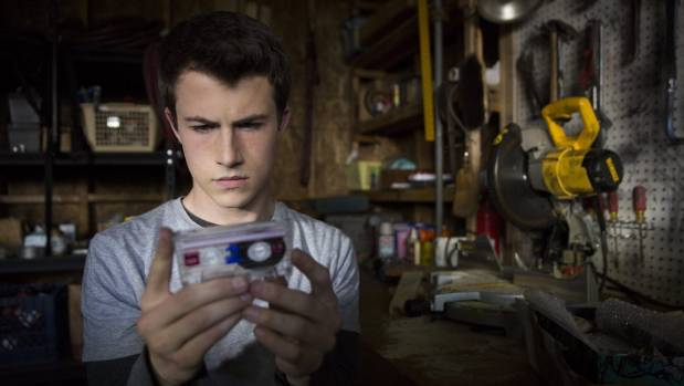 The story is shown through the eyes of Clay (Dylan Minnette) as he listens to tapes made by Hannah before she died.