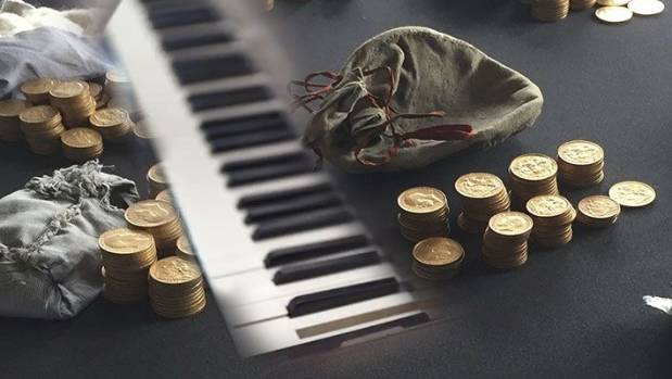The hoard of sovereigns was concealed under the keyboard of a Broadwood & Sons piano.