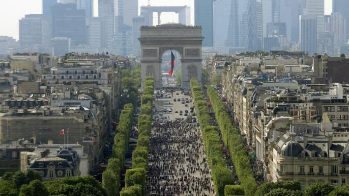 paris champs elysees wide street long history stuff co nz