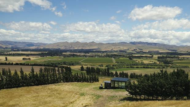 Watching the grass grow in see through luxury at waipara 39 s for Grow landscapes christchurch