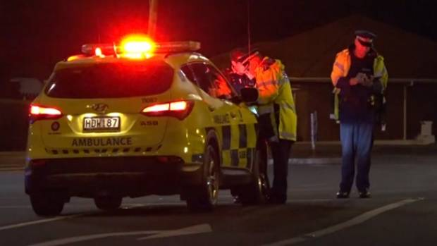 Man dies in auto accident after fleeing police in Māngere