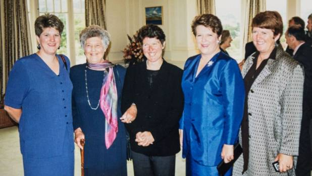 Shipley with her mother and sisters after being sworn in as Prime Minister.