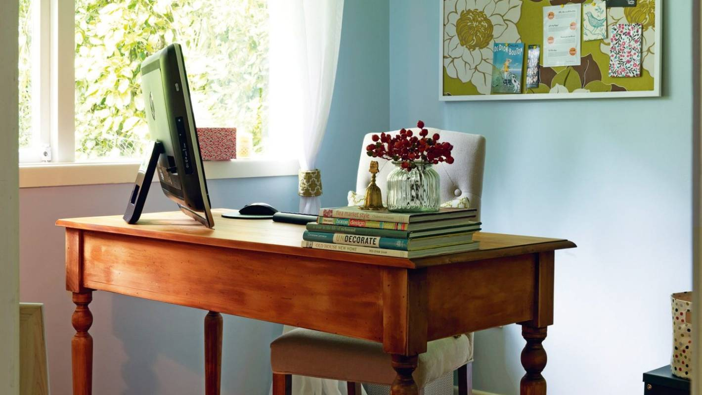 How to create a workable home office in a small space - Creating a small home office ...