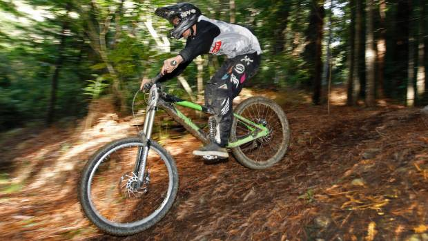 Andrew Higgins in action during race two of the Nelson Mountain Bike Club Winter Downhill series, Redwoods Brook Valley, ...