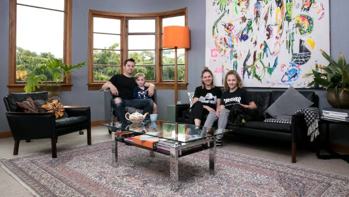 At Home With Dunedin Fashion Designer Sara Munro Stuffconz Inspiration Living Room Dunedin Style