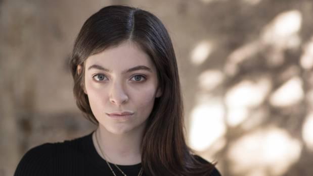 Lorde Reveals Secrets to Best Onion Rings