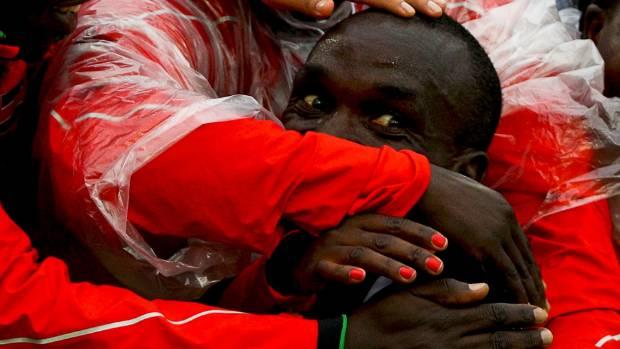 Kipchoge sets new unofficial marathon world record