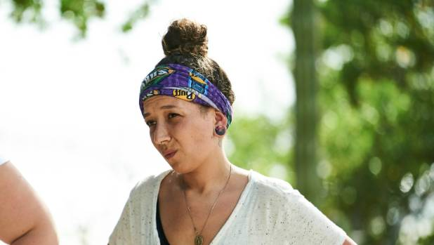 Who will put their hand up to be Survivor's villain? Dee will.