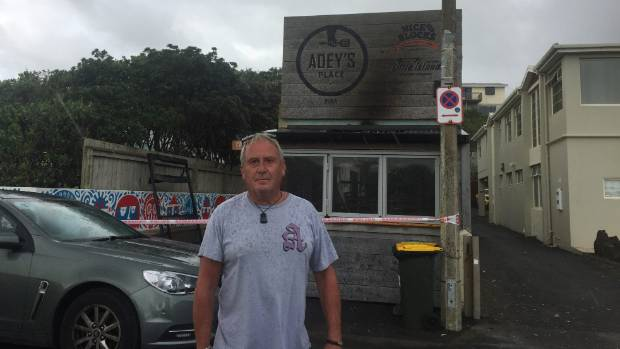 Piha fire destroys takeaway shop