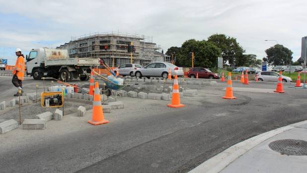 The intersection of Te Atatu Rd and Edmonton Rd in Auckland