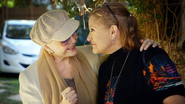 Bright Lights looks at the relationship and respective careers of mother and daughter Debbie Reynolds and Carrie Fisher.