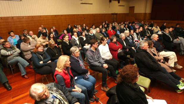 About 100 people gathered at a public meeting to discuss the future of the Lumsden Maternity Centre.
