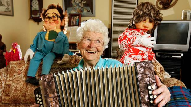 Entertainer Franki Wood, from Lower Hutt, has died at 97.
