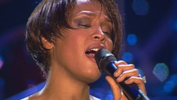 Whitney: Can I Be Me containes never-seen-before footage from Houston's 1999 European concert tour.