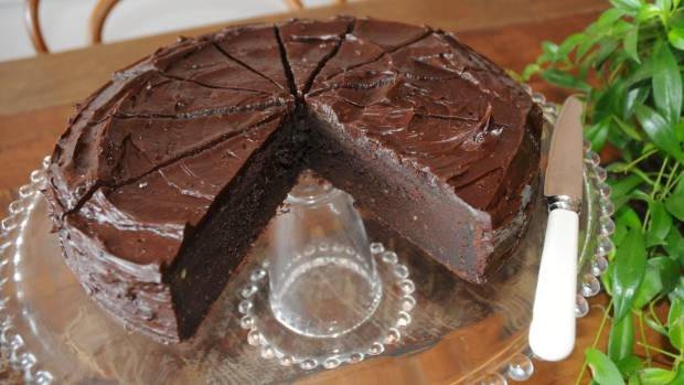 Chocolate cake made with glucose powder instead of table sugar, and rice syrup in the cocoa butter icing.