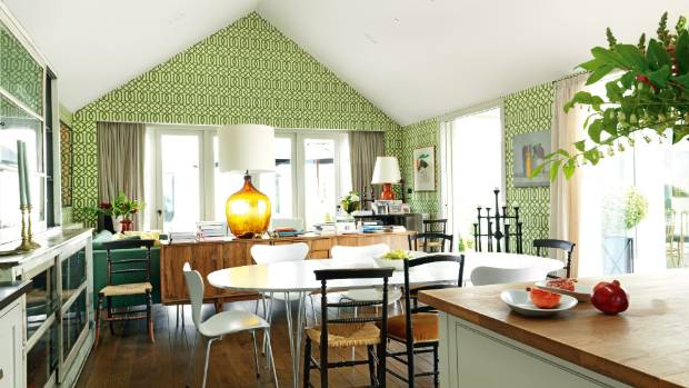 Colour has been used to unite the patterned Kelly Wearstler Imperial Trellis wallpaper in this space – the touches of ...