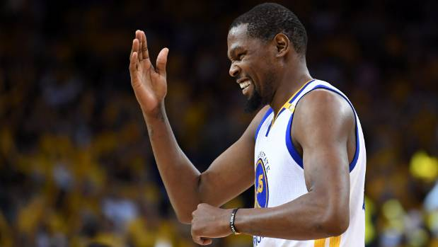 Kevin Durant piled on the points for the Golden State Warriors in their comeback win over the Spurs.