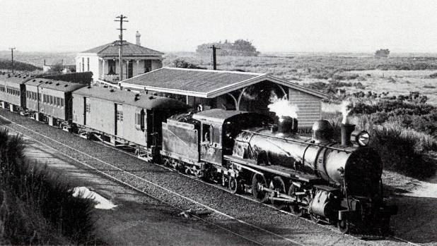 Bluff Train at Clifton Station in 1956