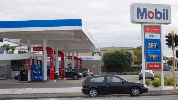 The Mobil service station at the corner of Ruahine and Featherston streets in Palmerston North was robbed.