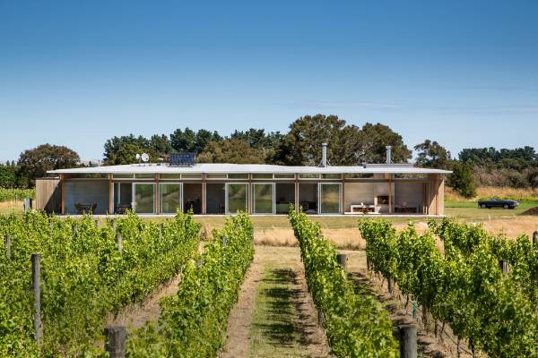 Vineyard House by Novak+Middleton