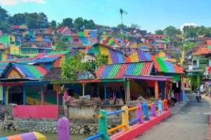 Kampung Pelangi in Indonesia has had a makeover - 230 houses have been painted from top to bottom, along with bridges ...