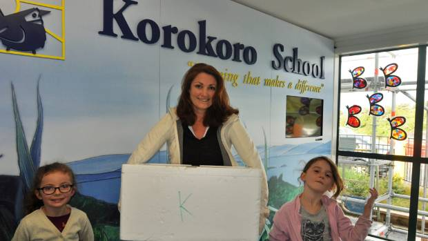 Lucy Twigg delivers lunch to Korokoro School.