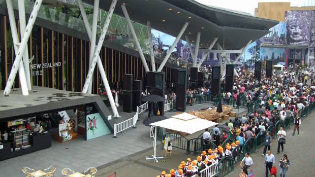 The queue for New Zealand's pavilion at the World Expo in Shanghai in 2010.