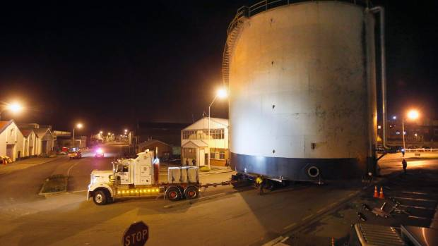 A  large tank was moved from Timaru Port to another location on Hayes Street.