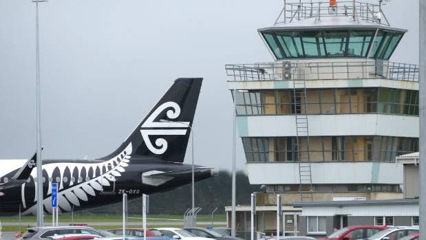 An online survey has found 43 per cent of people have chosen airports other than Invercargill Airport.