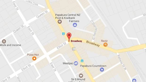 A man in his 60s died following an early morning assault outside a tavern in the south Auckland suburb of Papakura.
