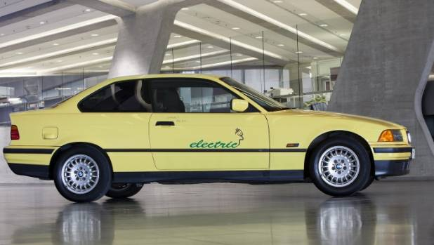When eight examples of the 325i Electric were tested in 1992, it was then the world's largest EV trial.
