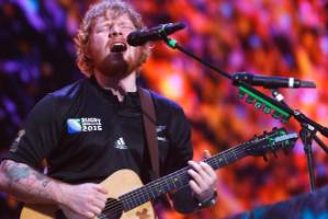 Ed Sheeran's one-man-band approach offers a fairly awe-inspiring spectacle.