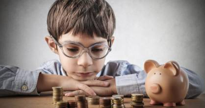 Kids should start counting their coins from 6-years-old, says Hannah McQueen.