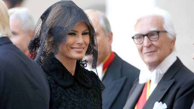 Melania snubs Trump again as Air-Force-One lands in Rome