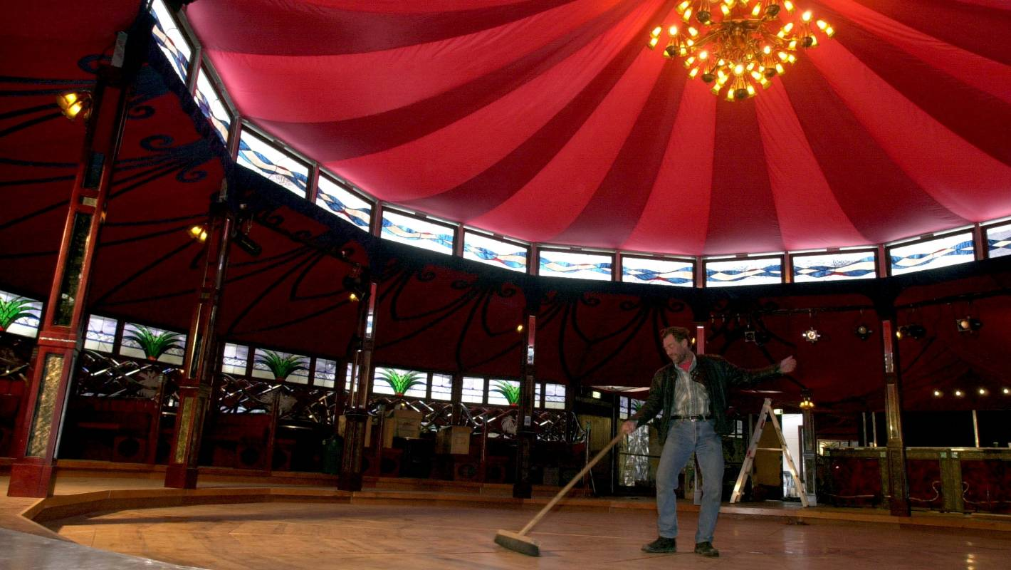 Kiwiana Themed Spiegeltent Takes Centre Stage At 2017