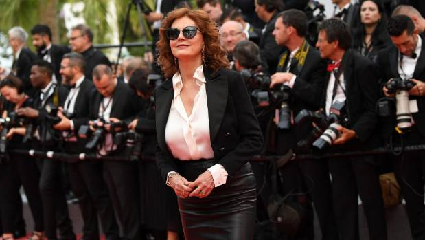 Susan Sarandon chose to forgo the conventional red carpet gown for a full-length leather skirt and silk blouse