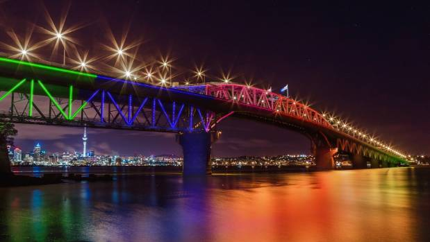 Plan To Light Up Auckland Harbour Bridge Using Solar Power