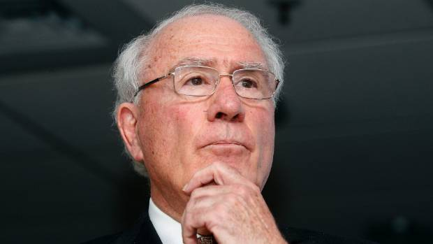 Former prime minister and QC Sir Geoffrey Palmer has called on the council to withdraw its draft City Amenity Bylaw.