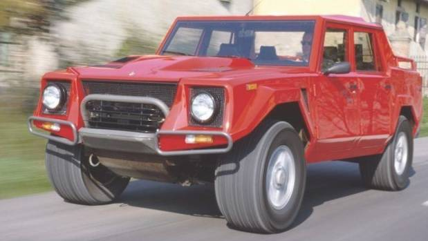 Lamborghini LM 002 was originally designed as a military vehicle. Can you tell?