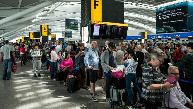 BA boss 'won't resign' over flight chaos