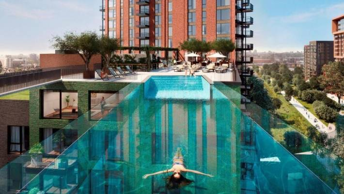 Sky pool 39 bridge 39 lures residents to the first embassy - Apartments with swimming pool london ...